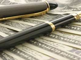 Keeping cash and Financial Markets